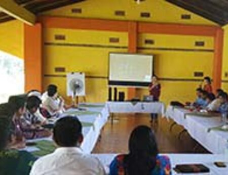 Human rights and labour issues workshops for oil palm producers in Guatemala
